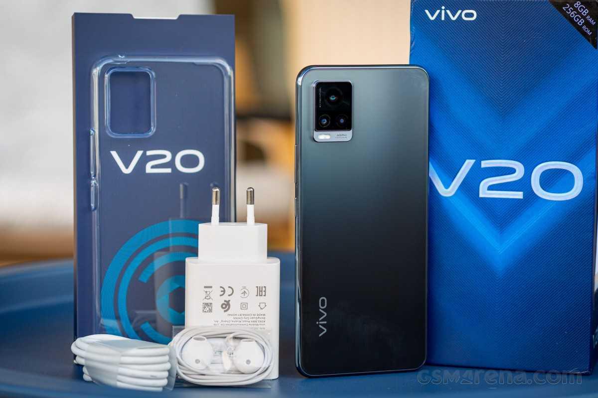 Vivo V20 ожидает обзора