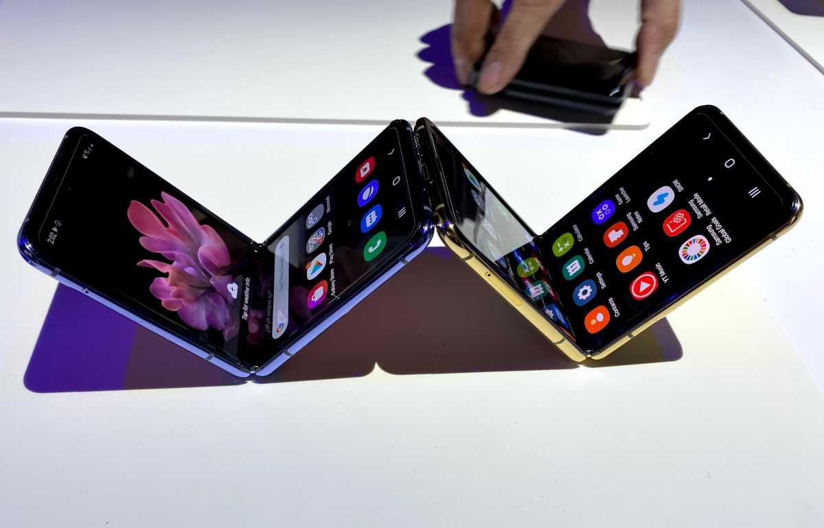 Apple, как сообщается, работает над складным iPhone, чтобы составить конкуренцию Samsung