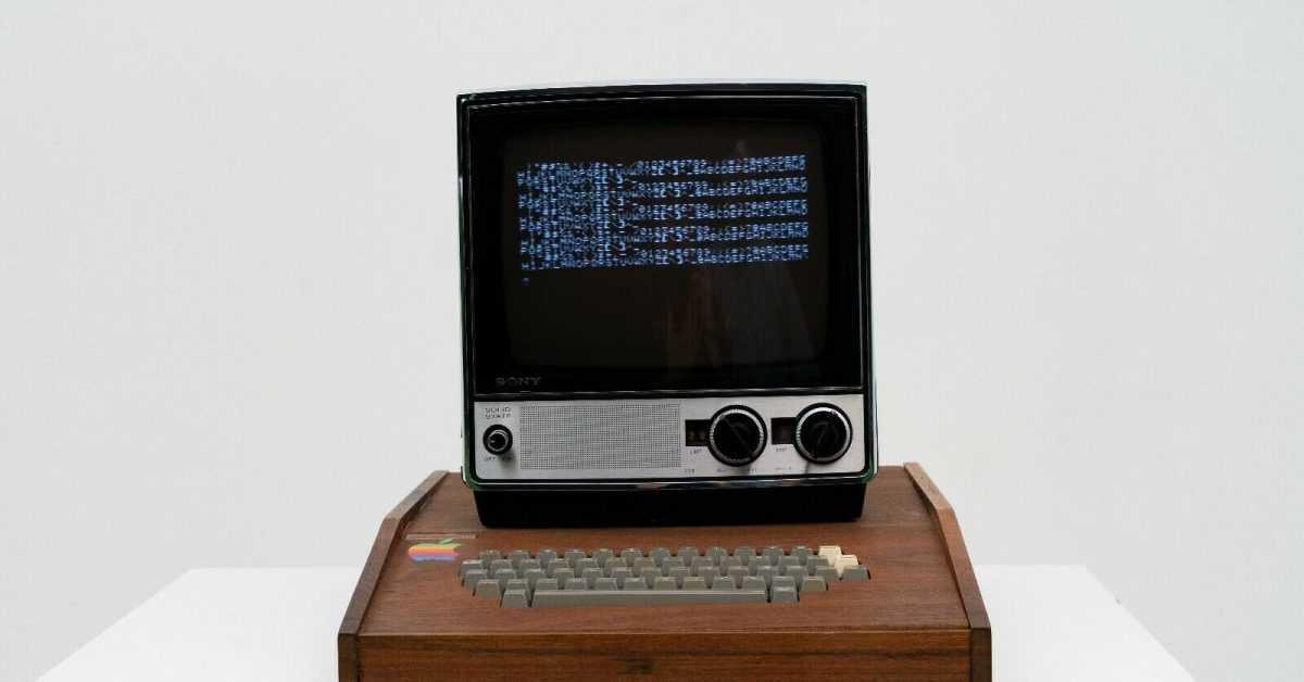 Редкий компьютер Apple 1, созданный Стивом Джобсом и Возняком, продается на eBay за 1,5 миллиона долларов