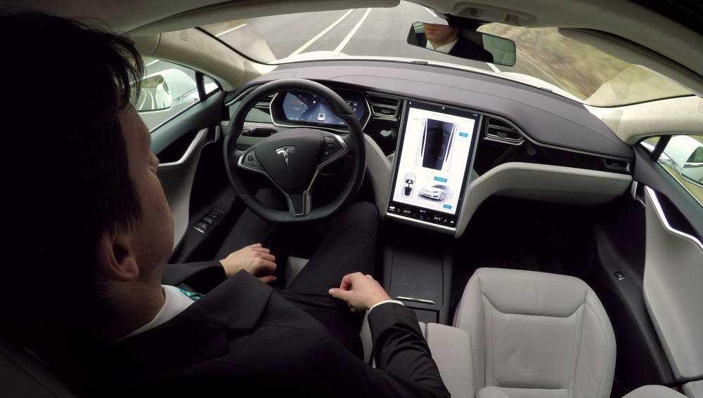 Watchdog 'включает автопилот Tesla' с веревкой, небольшим грузом, ремнем безопасности ... и без реального человека за рулем • The Register